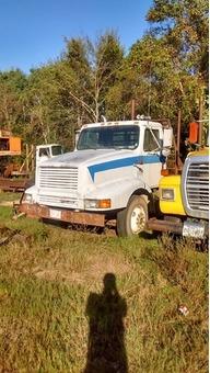 International log truck
